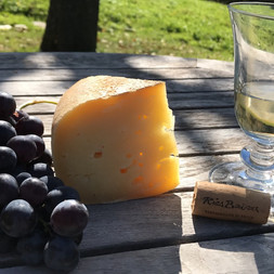 Tomme des Pyrénées, Jurançon, raisin