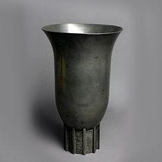jean despres grand vase cornet fonte d'étain d'art