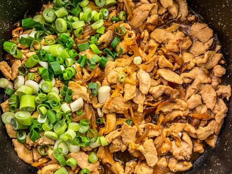 Poulet aux oignons et au gingembre, soja et cébette