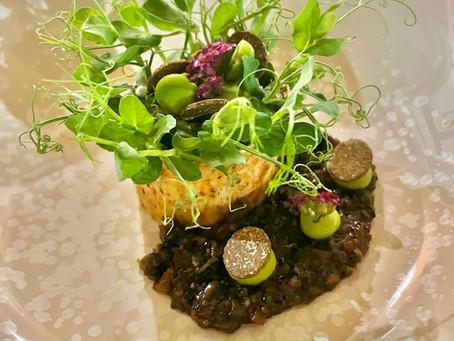 Un plat parmi le menu hommage au terroir ardéchois, restaurant Le Vivarais à Vals-les-Bains