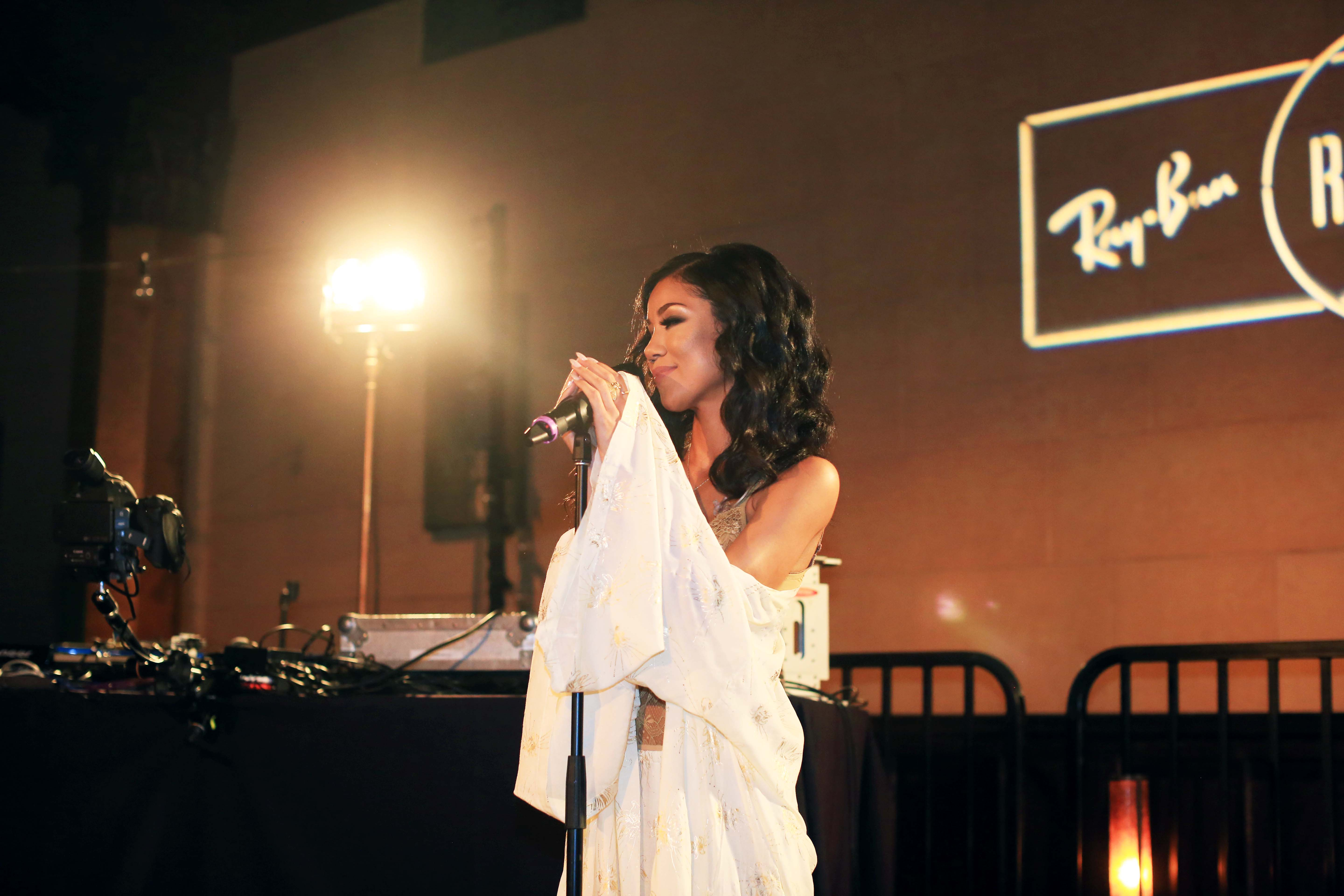 jhenelive