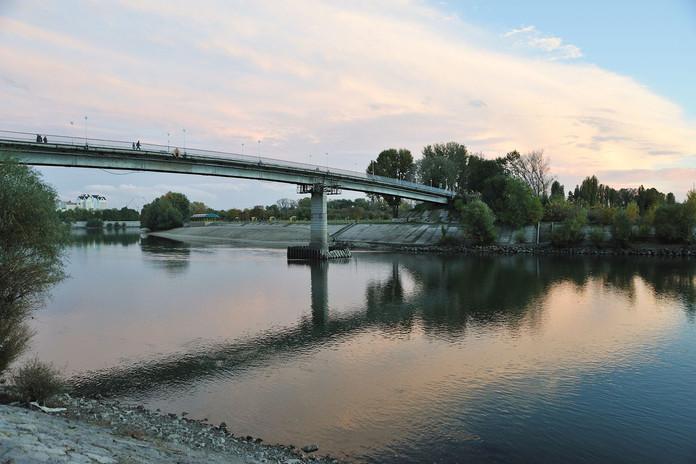 Dniester river bridge