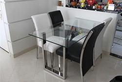 10- Mesa de jantar