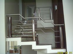 8- Guarda corpo escada