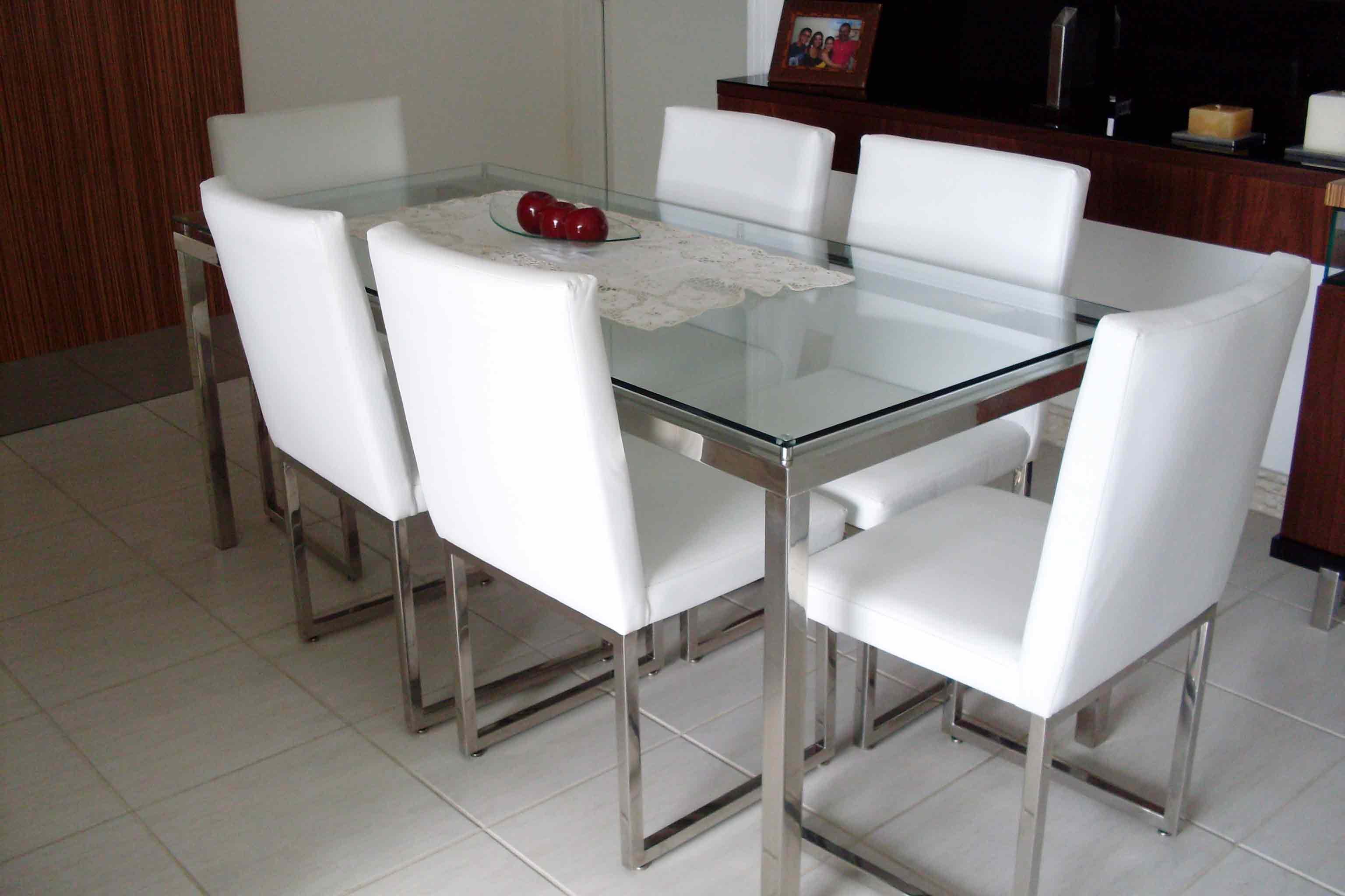 3- Mesa de jantar
