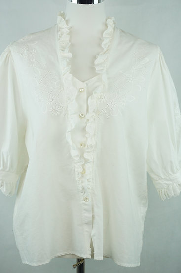 Antonia aus Tirol! Weiße Bluse