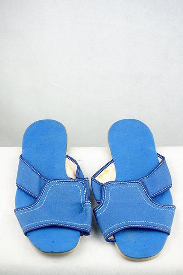 Luftige Pantoletten blau