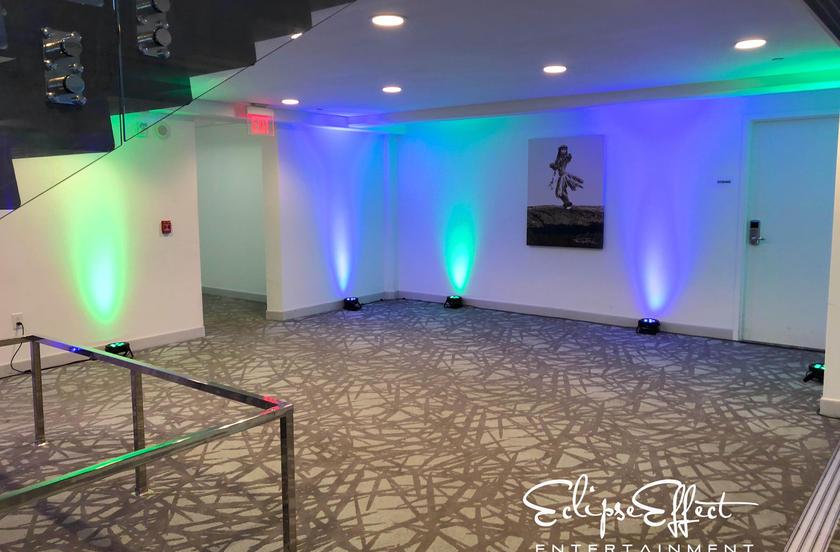 Lighting in area between rooms.jpg