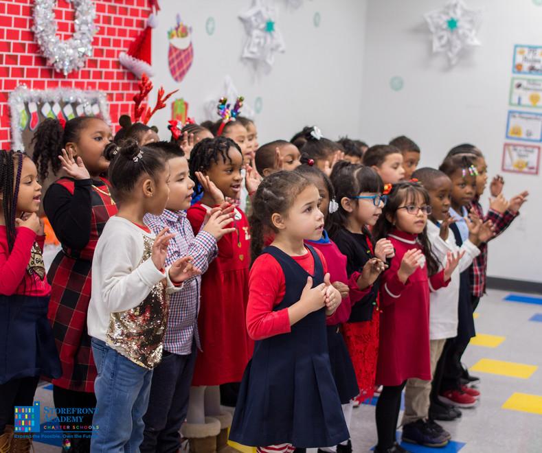 Bronx_Storefront_Christmas_2019_-151.jpe
