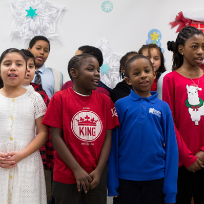 Bronx_Storefront_Christmas_2019_-57.jpe
