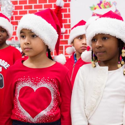 Bronx_Storefront_Christmas_2019_-36.jpe