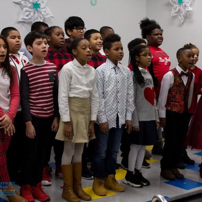 Bronx_Storefront_Christmas_2019_-60.jpe