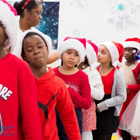 Bronx_Storefront_Christmas_2019_-52.jpe