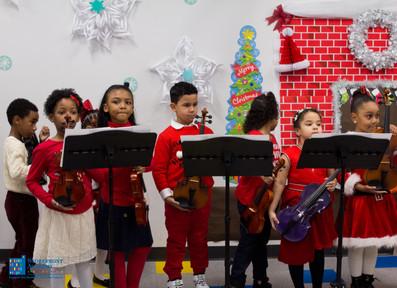 Bronx_Storefront_Christmas_2019_-96.jpe
