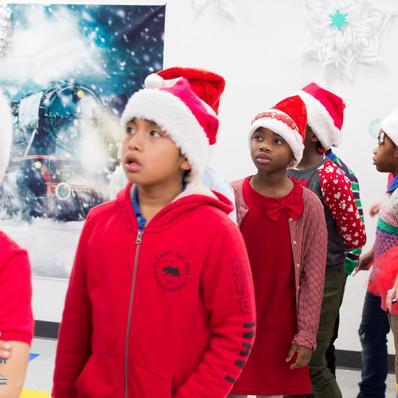 Bronx_Storefront_Christmas_2019_-54.jpe