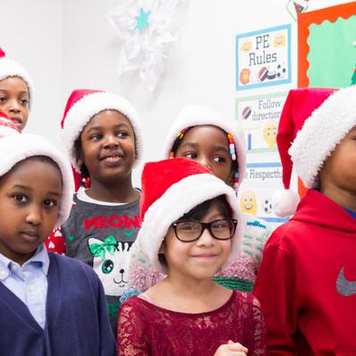 Bronx_Storefront_Christmas_2019_-38.jpe
