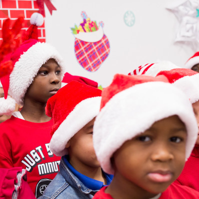 Bronx_Storefront_Christmas_2019_-49.jpe