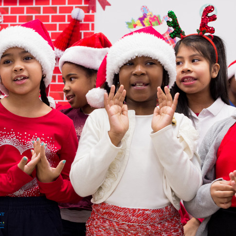 Bronx_Storefront_Christmas_2019_-40.jpe
