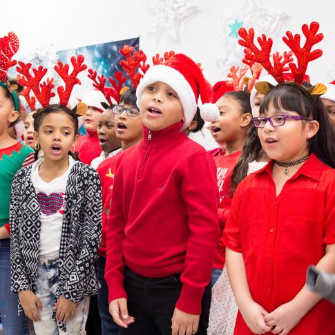 Bronx_Storefront_Christmas_2019_-43.jpe