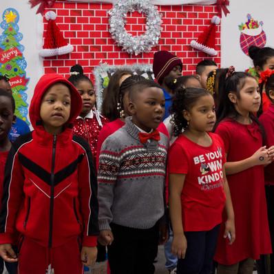 Bronx_Storefront_Christmas_2019_-26.jpe