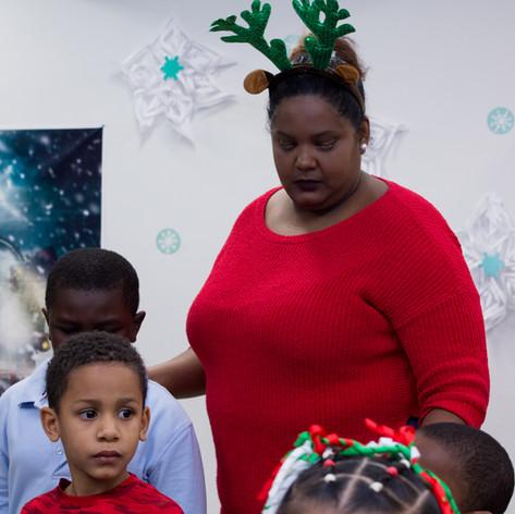 Bronx_Storefront_Christmas_2019_-14.jpe