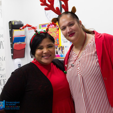 Bronx_Storefront_Christmas_2019_-61.jpe