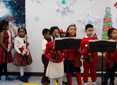 Bronx_Storefront_Christmas_2019_-97.jpe