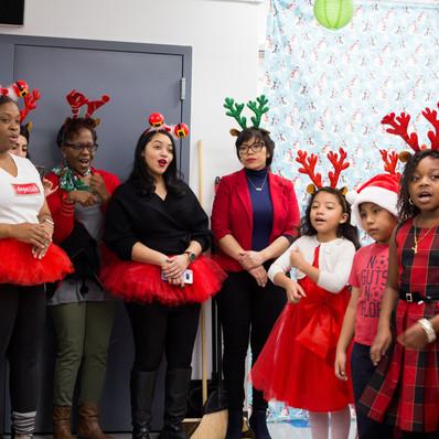 Bronx_Storefront_Christmas_2019_-45.jpe