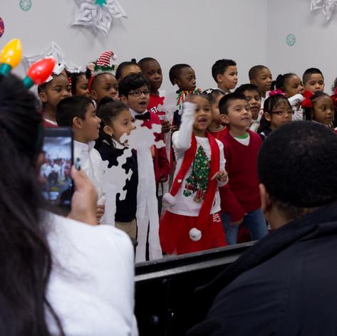 Bronx_Storefront_Christmas_2019_-6.jpe