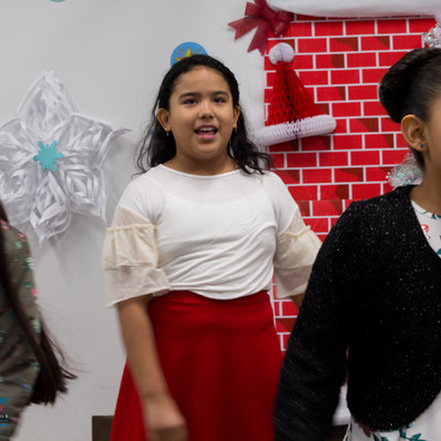 Bronx_Storefront_Christmas_2019_-67.jpe