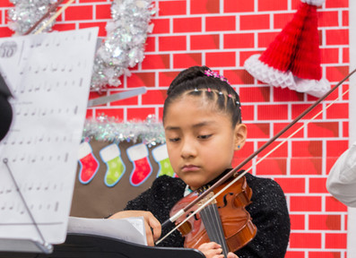 Bronx_Storefront_Christmas_2019_-126.jpe