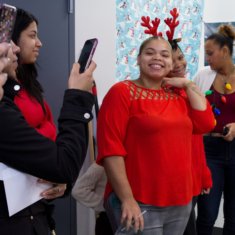 Bronx_Storefront_Christmas_2019_-7.jpe