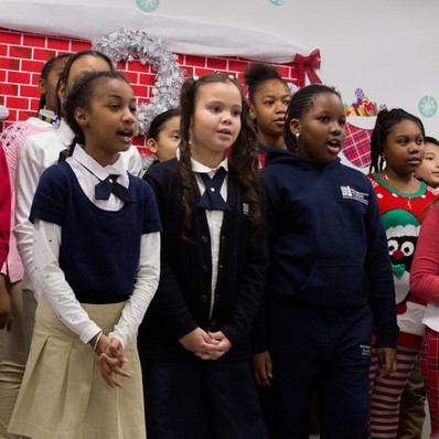 Bronx_Storefront_Christmas_2019_-58.jpe