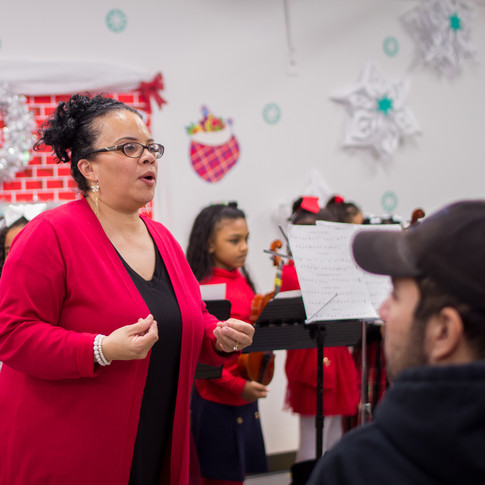 Bronx_Storefront_Christmas_2019_-164.jpe