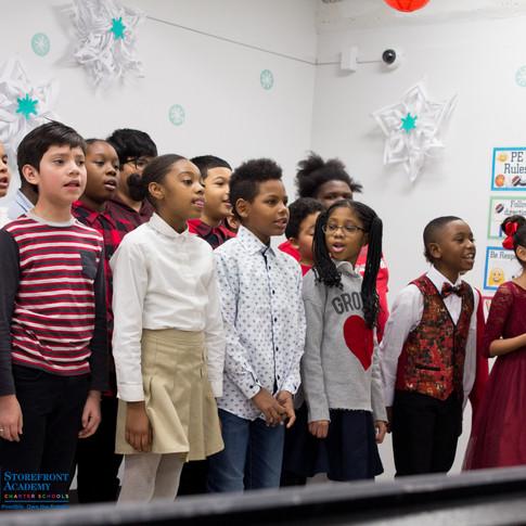Bronx_Storefront_Christmas_2019_-56.jpe