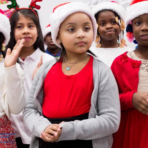 Bronx_Storefront_Christmas_2019_-39.jpe