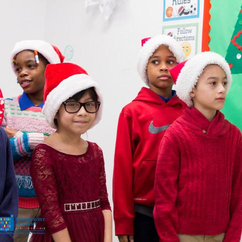 Bronx_Storefront_Christmas_2019_-33.jpe