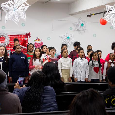 Bronx_Storefront_Christmas_2019_-64.jpe