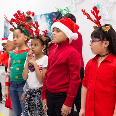 Bronx_Storefront_Christmas_2019_-37.jpe