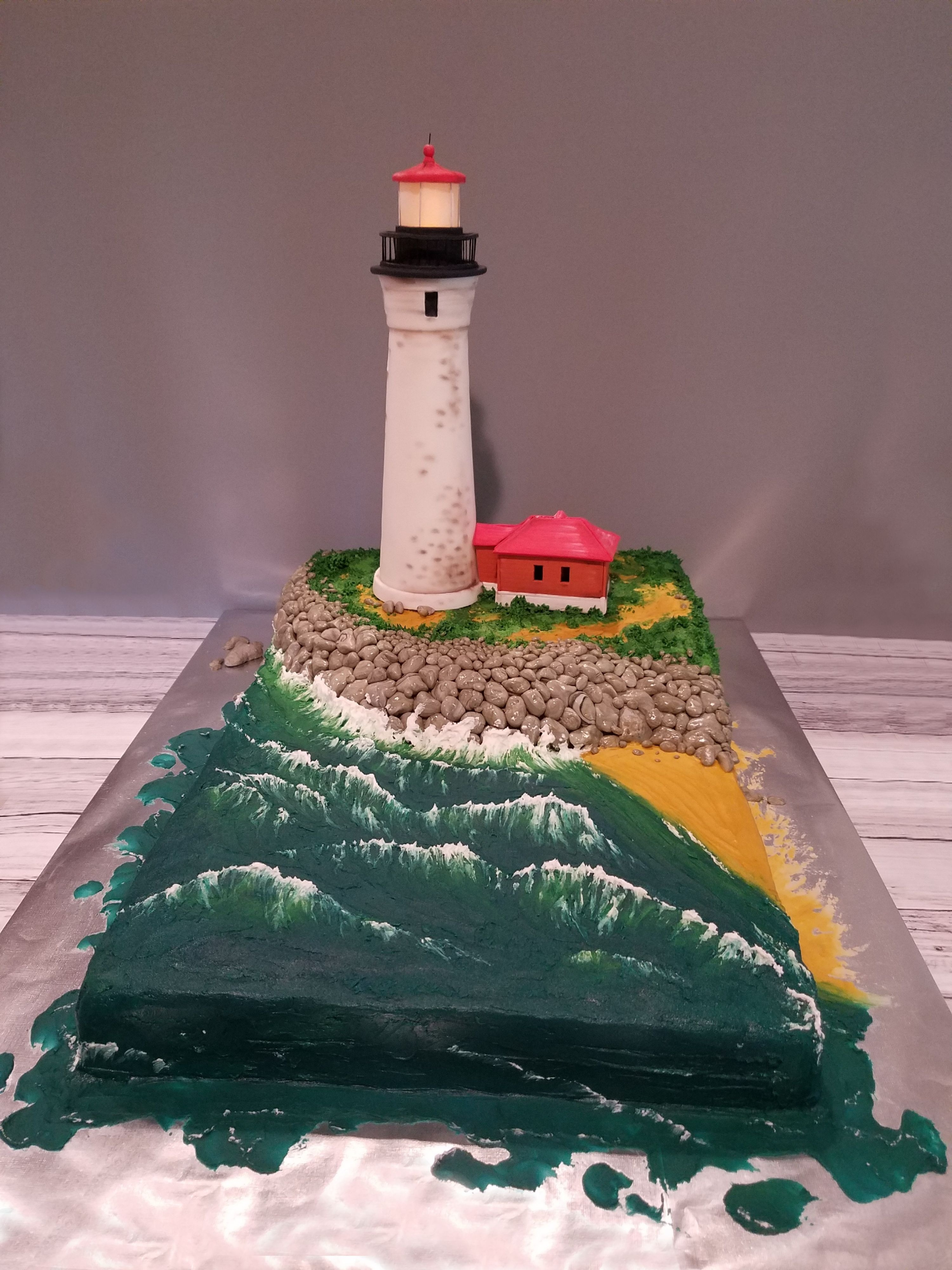 Lighthouse wedding cake front view