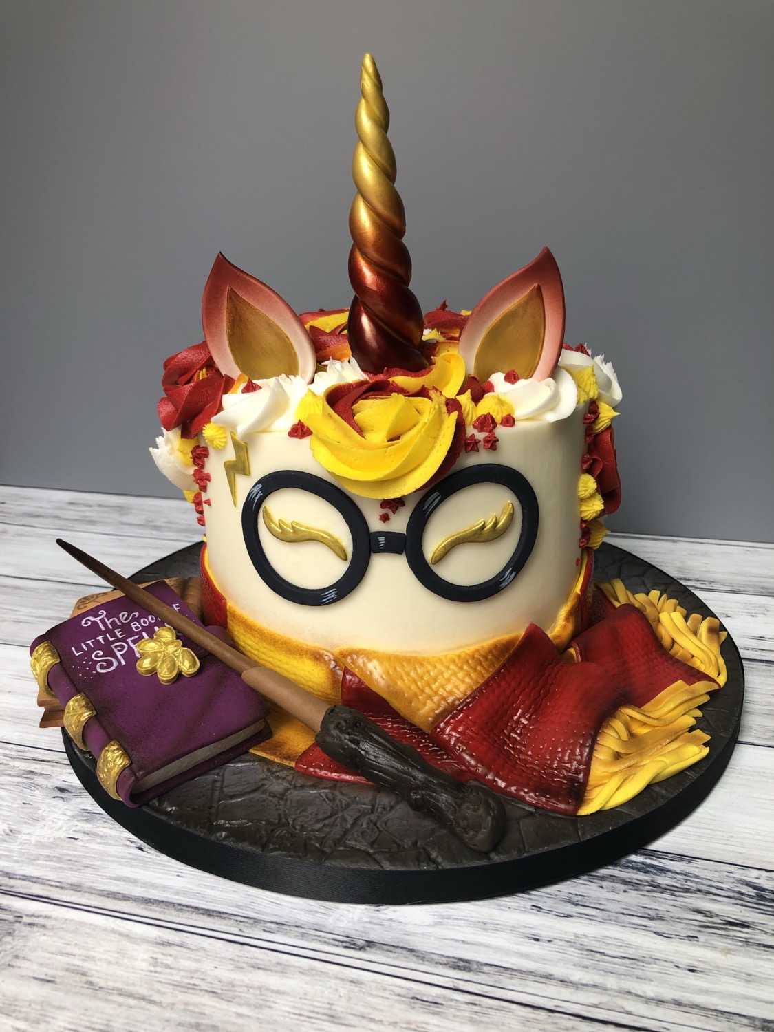 A Harry Potter/Unicorn Cake