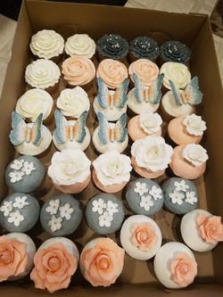 Wedding cupcake set