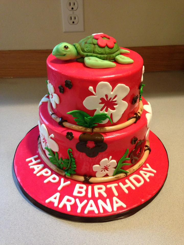 Girls Hawaiian cake with turtle
