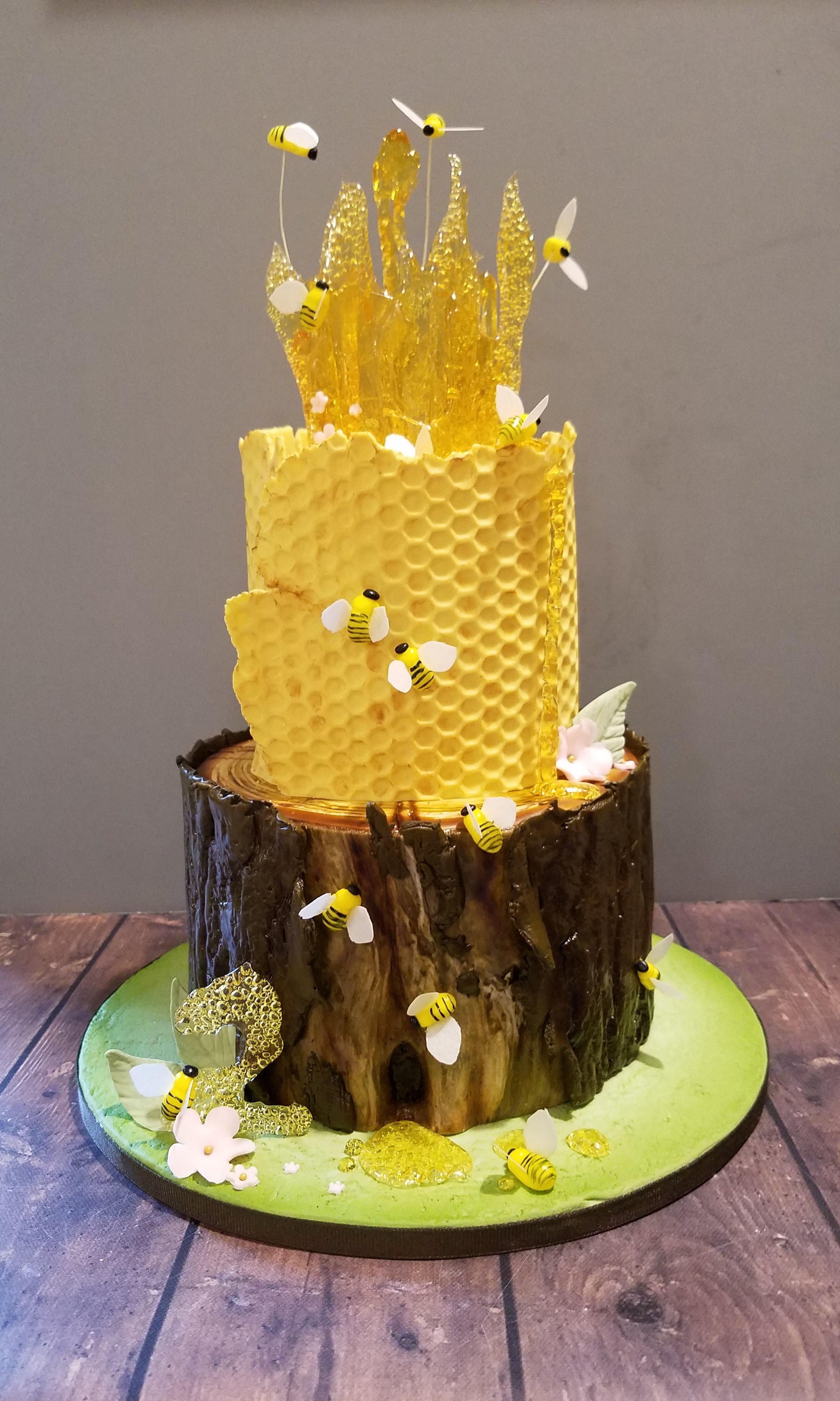 Bee themed cake!