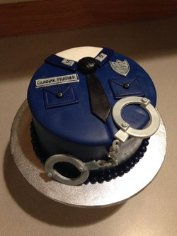 Officers cake for a little boy