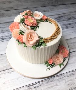 Pretty Rose Wreath Cake
