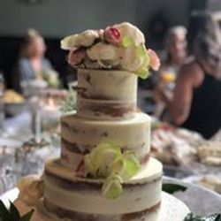 Partially naked cake