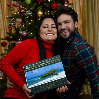 book-christmas-for-website-pareja-1-Squa