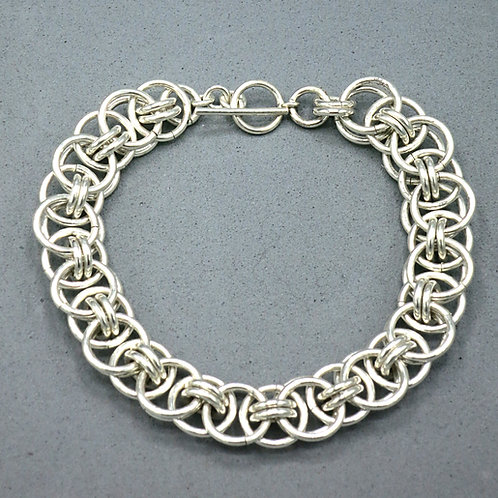 ".925 sterling silver 7.5"" Helm chainmail bracelet"