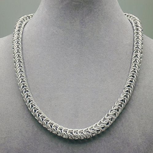 Box weave aluminum chainmail necklace